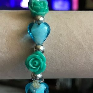 Jewelry - New Glass Heart & Floral Resin Stretch Bracelet